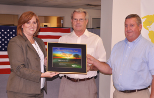 KPPC Acting Director Lissa McCracken presents the 2014 award to Bill Breeze and Terry Royse in Flemingsburg